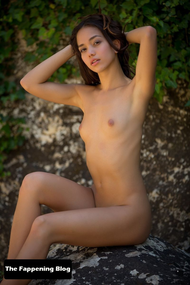 Kit Rysha Nude & Sexy Collection (88 Photos) [Updated]
