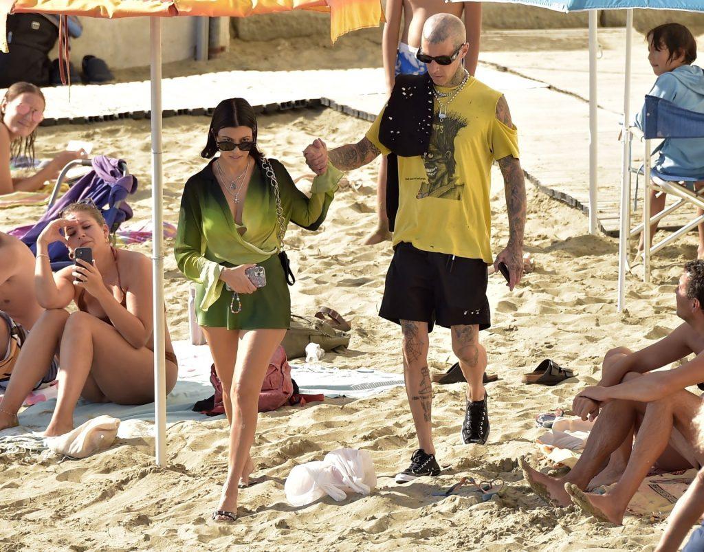 Kourtney Kardashian Flashes Her Pussy and Butt During Italian Getaway with Her Boyfriend (107 Photos)