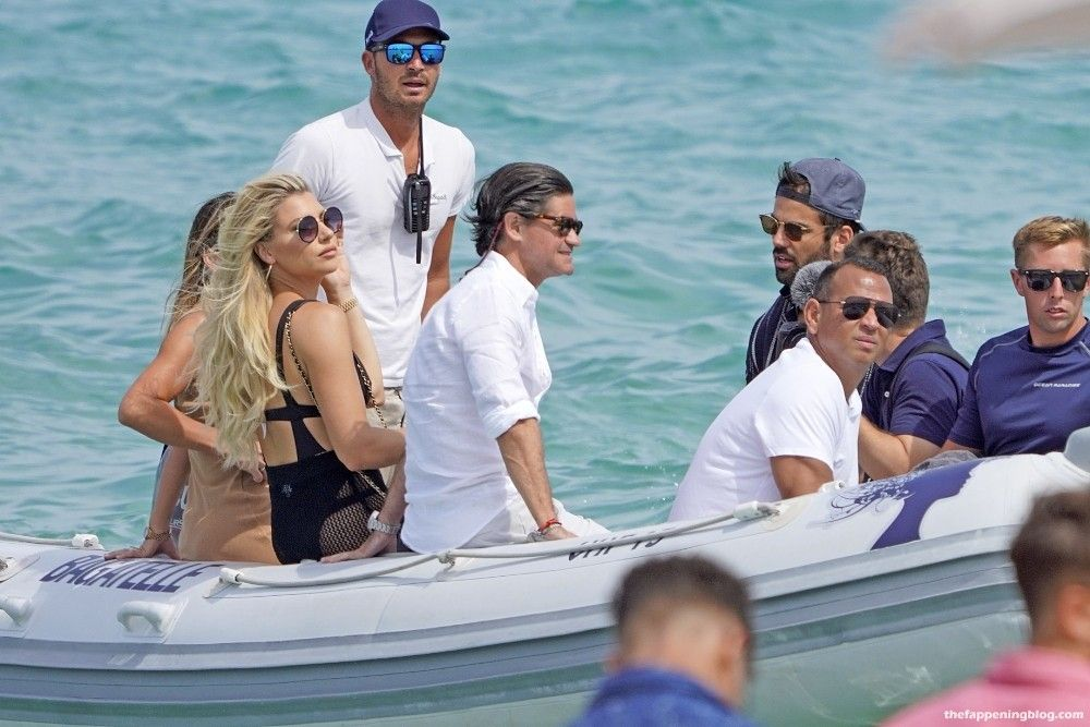 Alex Rodriguez Arrives with Melanie Collins at Bagatelle Beach in St Tropez (10 Photos)