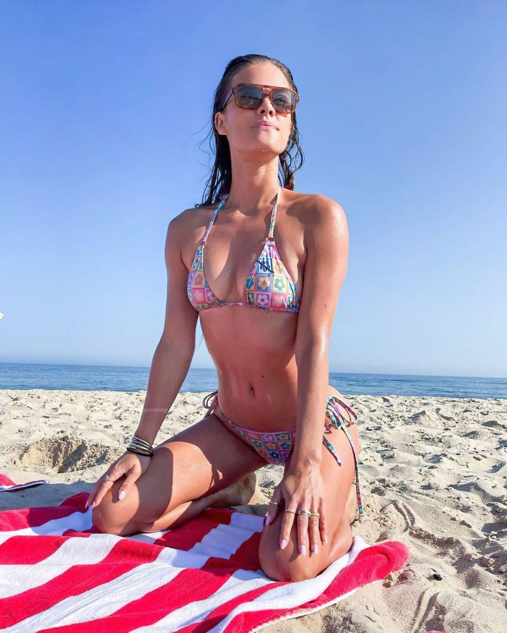 Nina Agdal Sexy (10 Hot Photos)