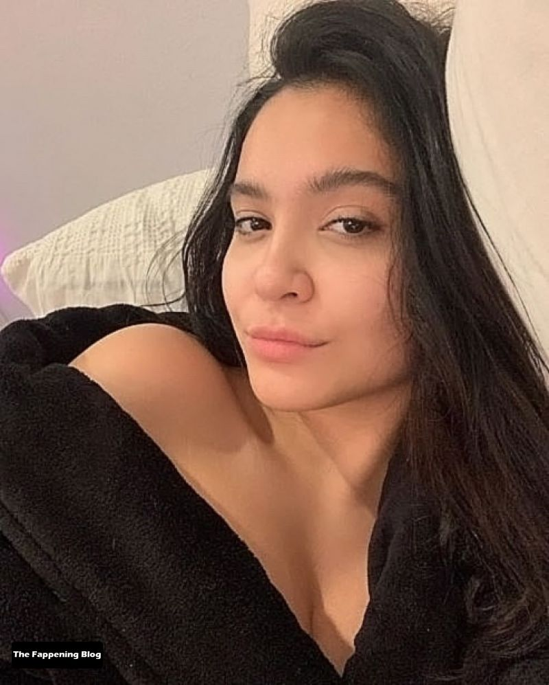 Stella Hudgens Sexy & Topless Collection (62 Photos) [Updated]