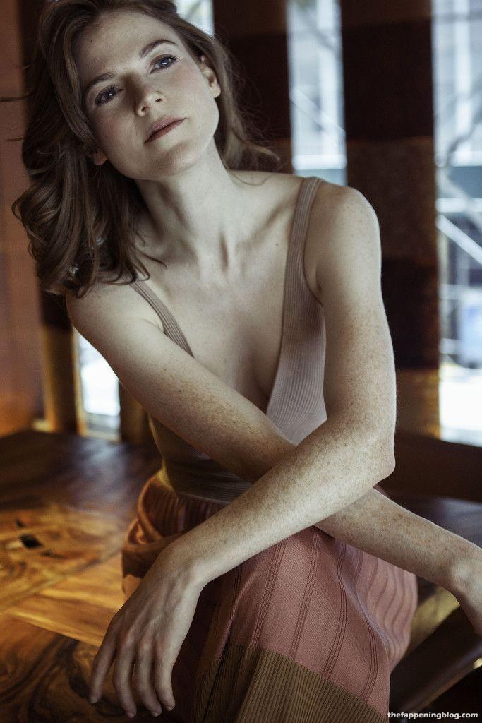 Rose Leslie Nude & Sexy Collection (44 Photos + Videos)