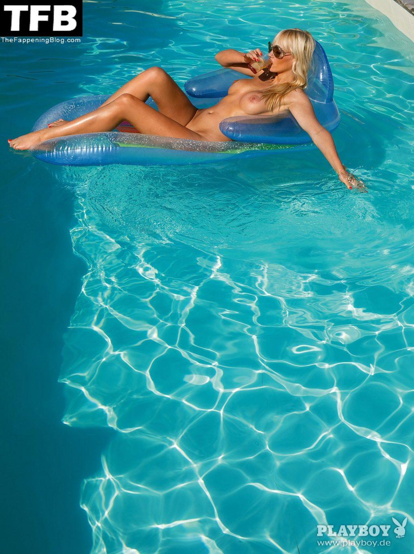 Sarah Domke Nude & Sexy Collection (55 Photos)