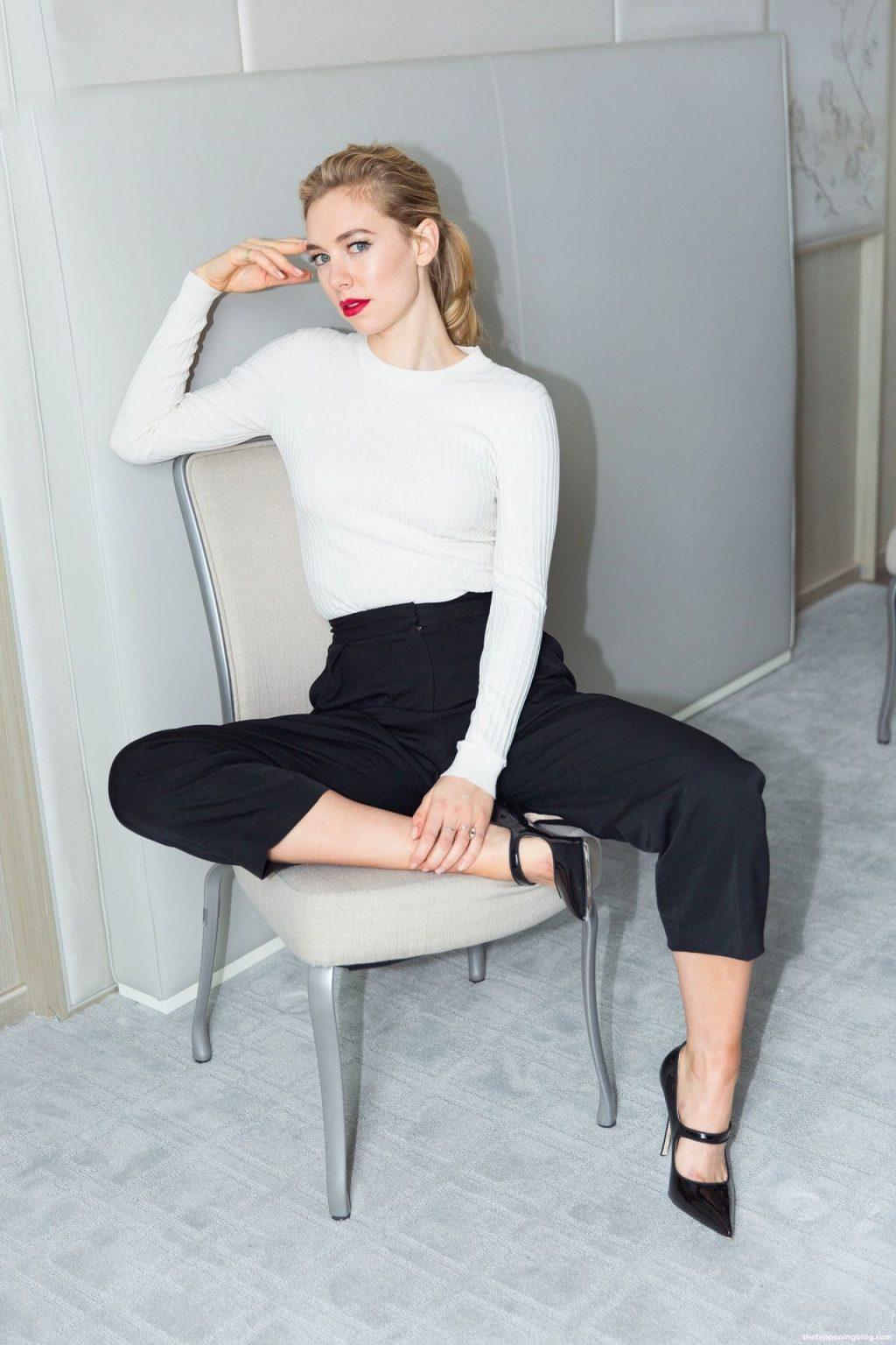 Vanessa Kirby Nude & Sexy Collection (111 Photos + Videos Scenes)