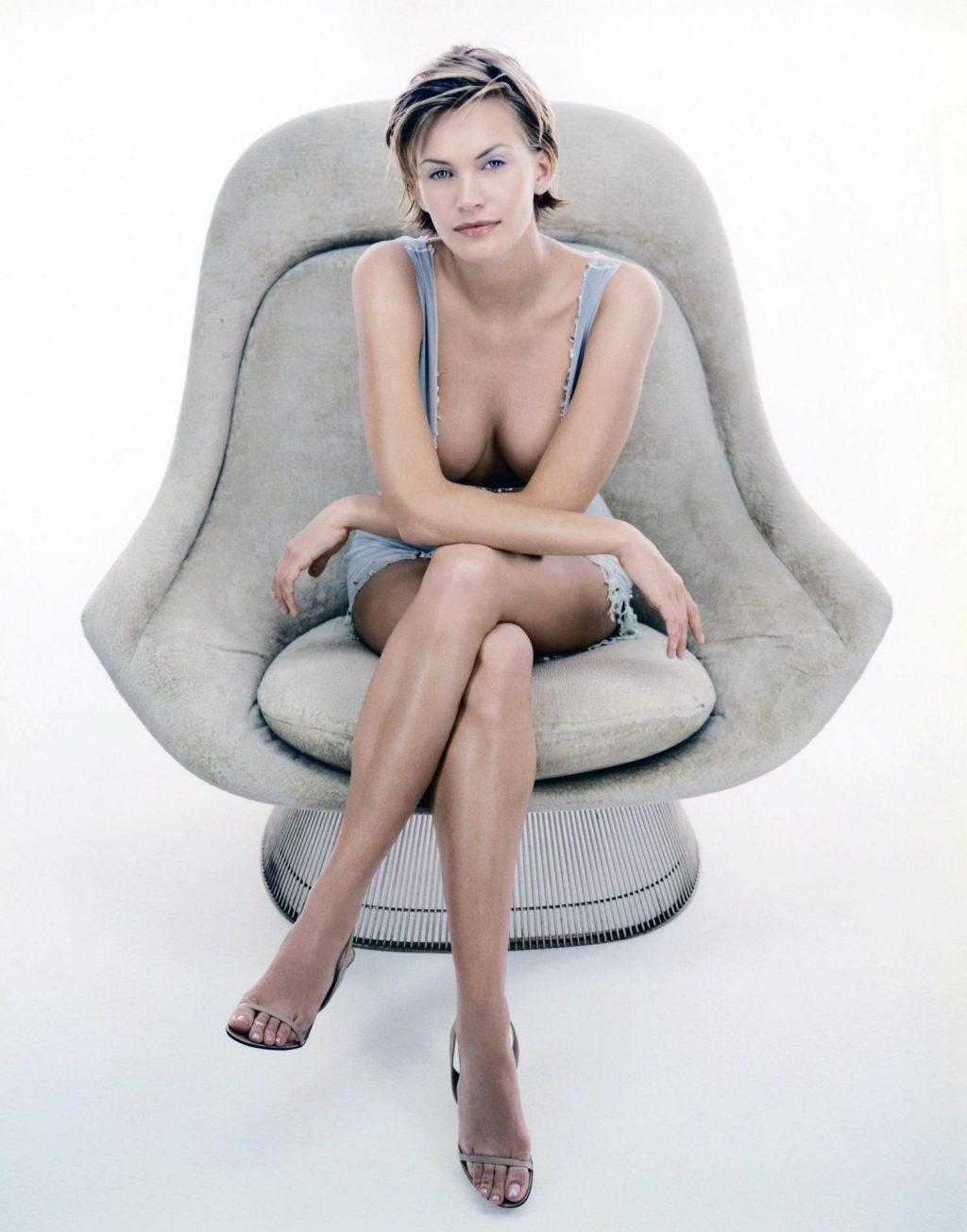 Natasha Henstridge NUDE & Sexy Collection – Part 1 (156 Photos + Videos)