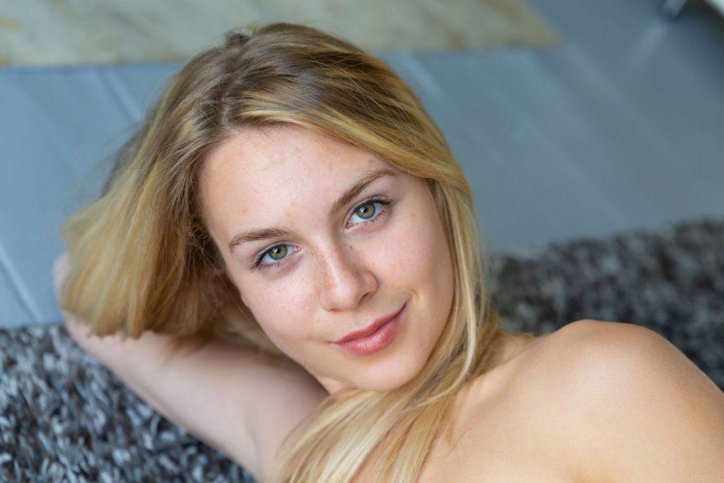 Alecia Fox Nude & Sexy – Love Myself (150 Photos)