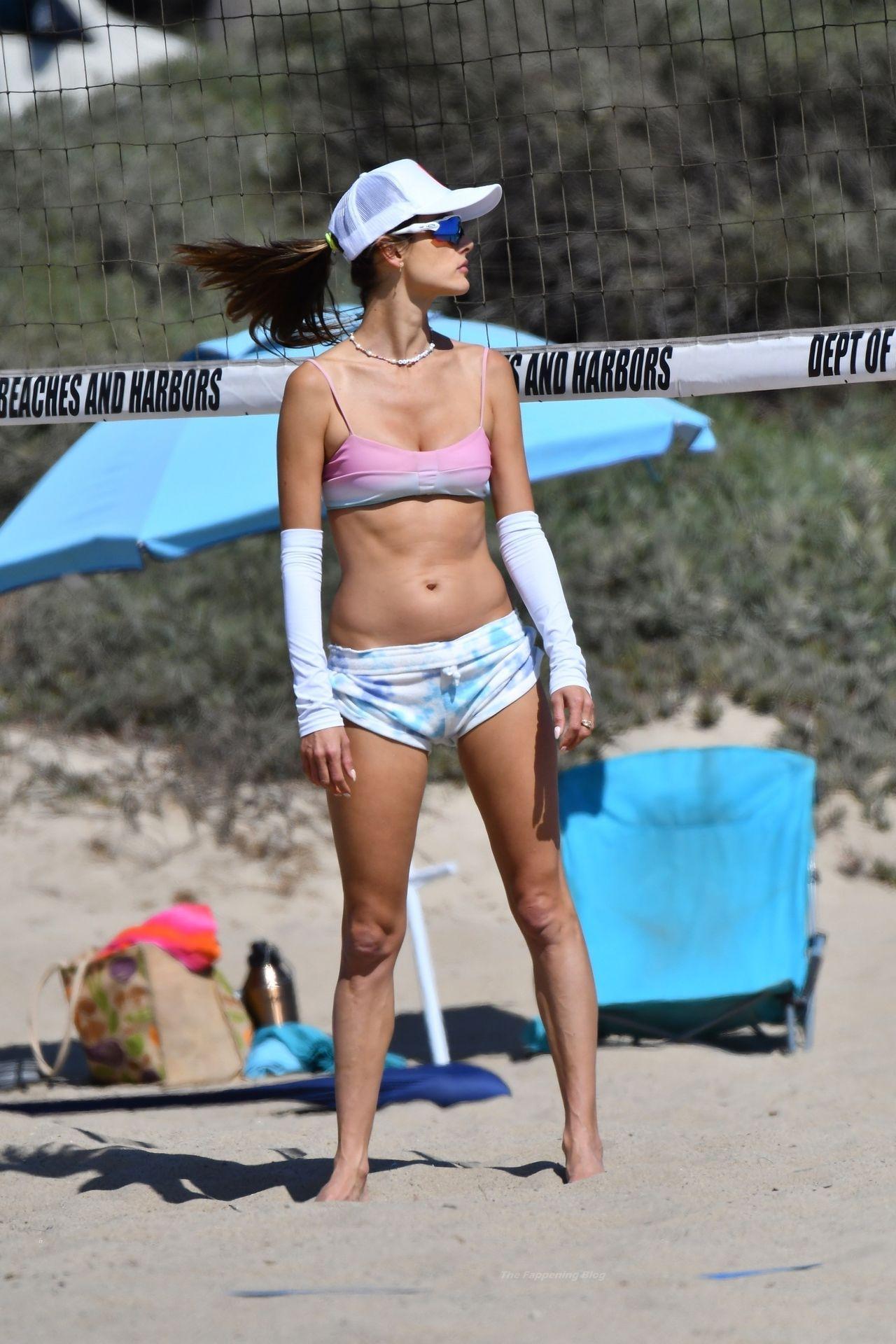 Alessandra-Ambrosio-Sexy-The-Fappening-Blog-103.jpg
