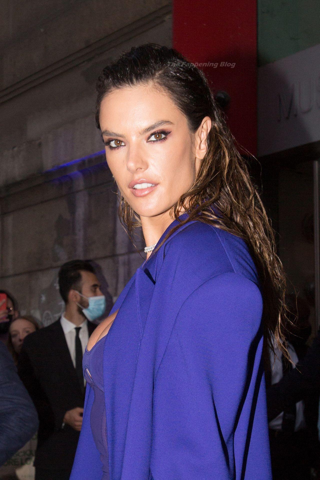 Alessandra-Ambrosio-Sexy-The-Fappening-Blog-13-3.jpg