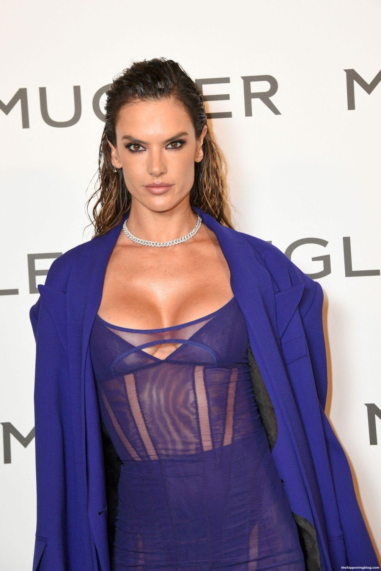 Alessandra-Ambrosio-Sexy-The-Fappening-Blog-13-4.jpg