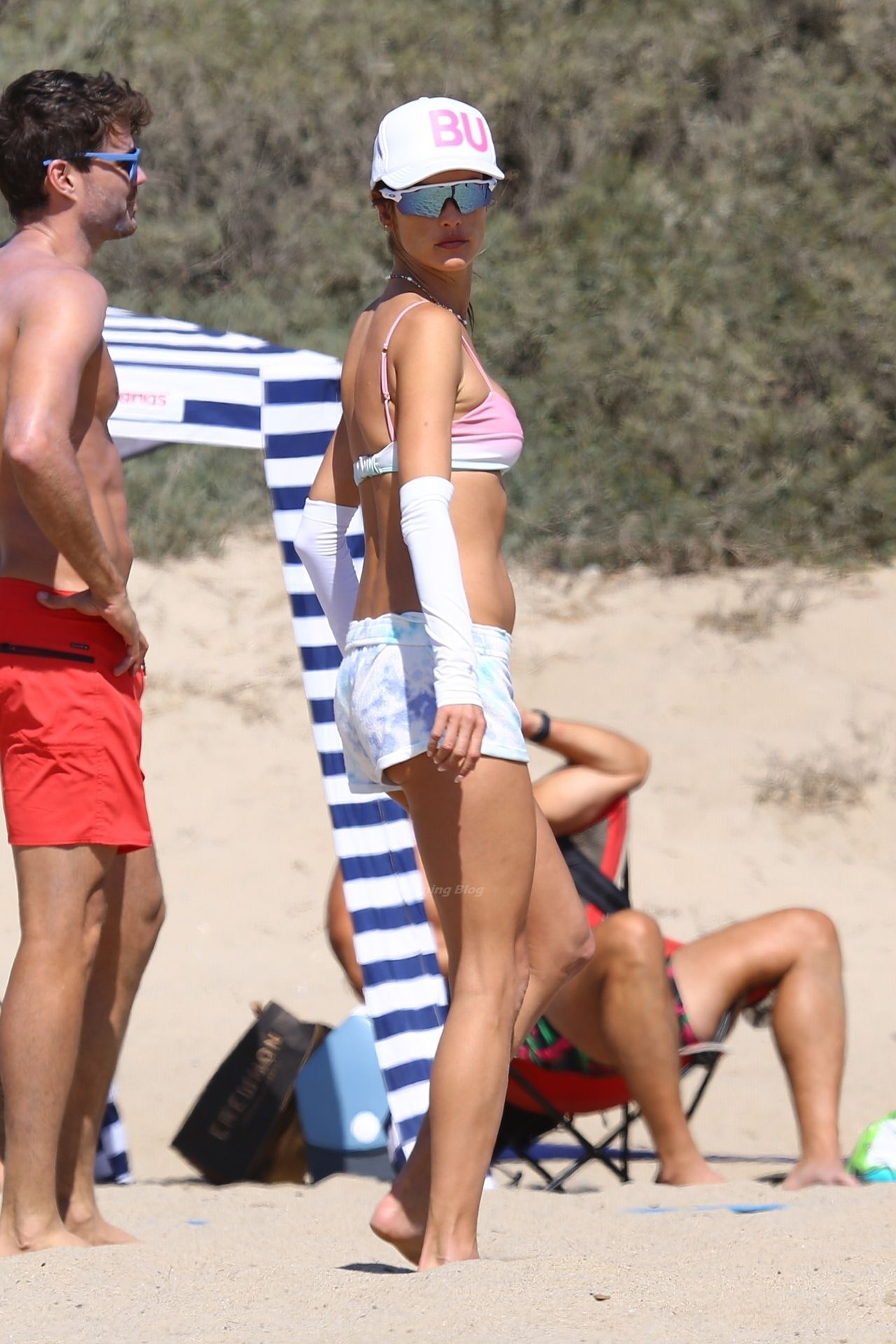 Alessandra-Ambrosio-Sexy-The-Fappening-Blog-16-1.jpg