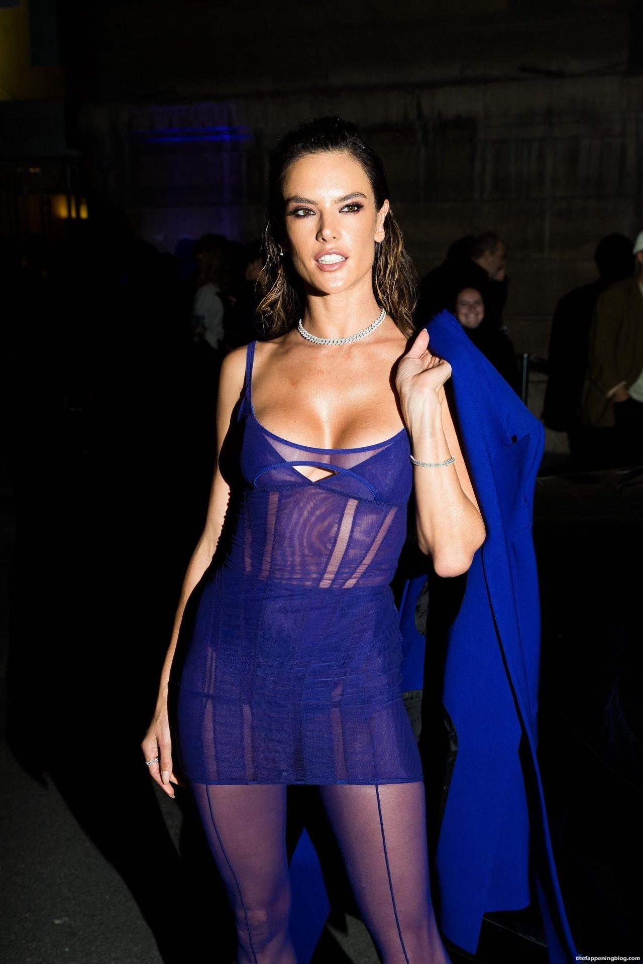 Alessandra-Ambrosio-Sexy-The-Fappening-Blog-16-3.jpg