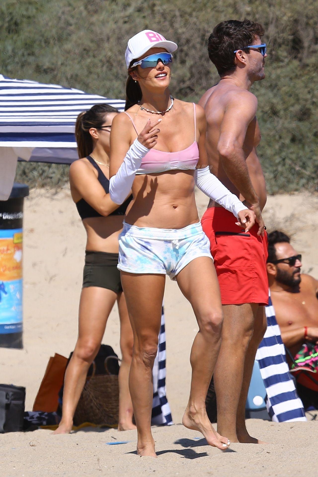 Alessandra-Ambrosio-Sexy-The-Fappening-Blog-19-1.jpg