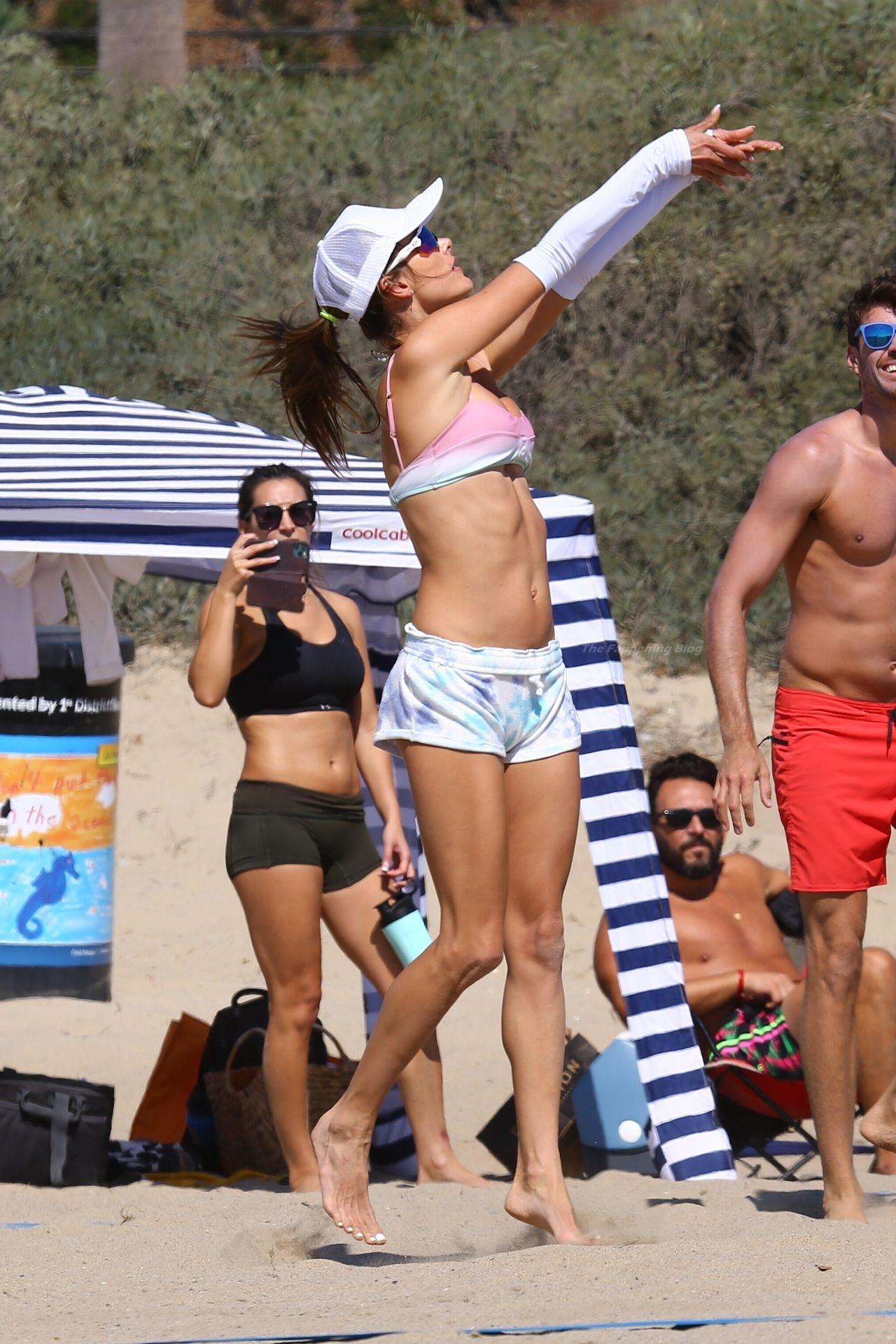 Alessandra-Ambrosio-Sexy-The-Fappening-Blog-21-1.jpg