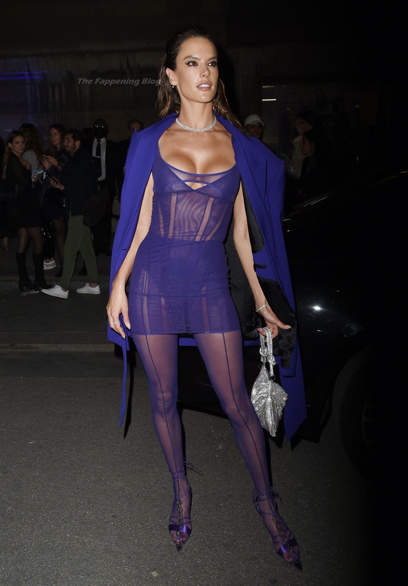 Alessandra-Ambrosio-Sexy-The-Fappening-Blog-21-2.jpg