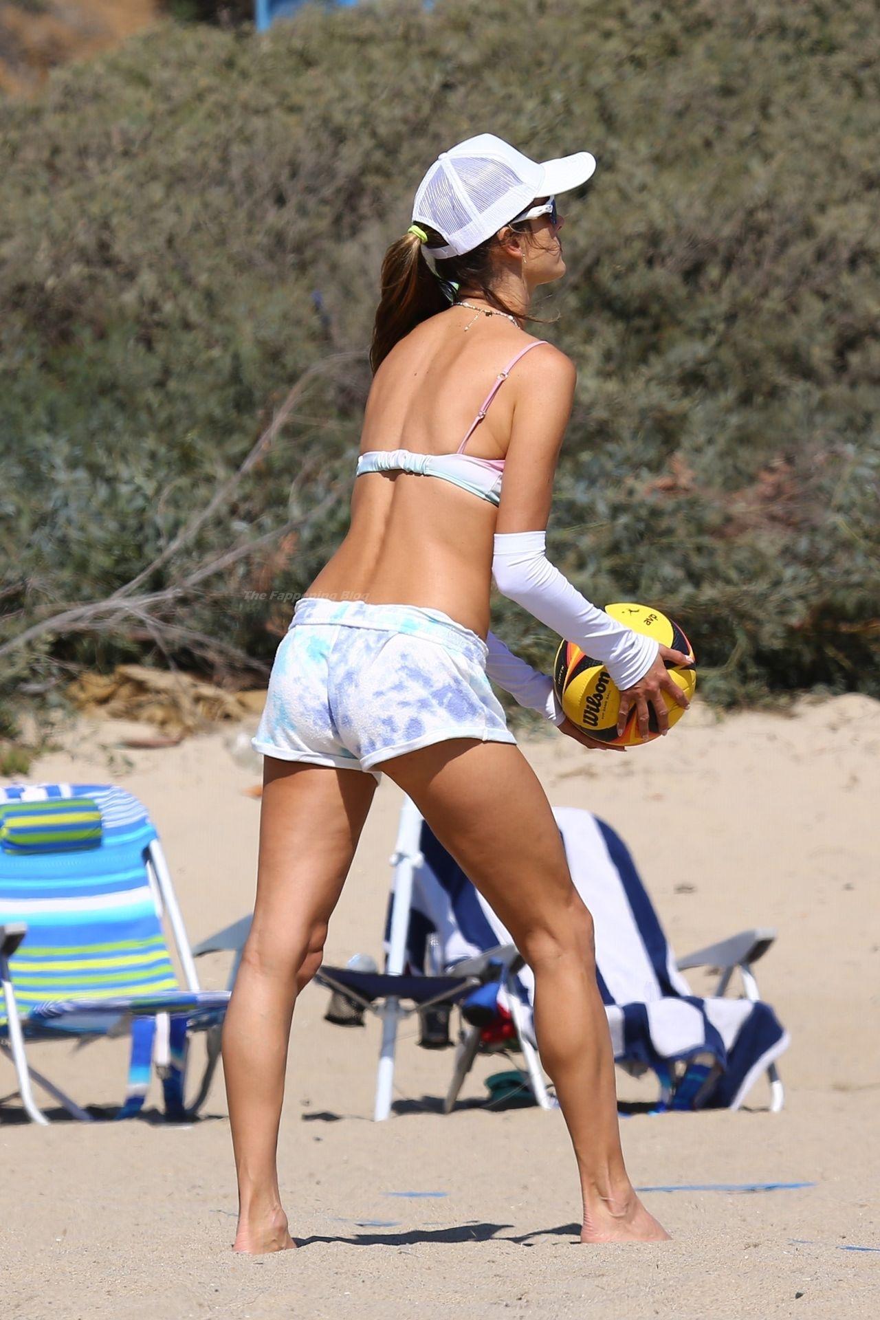 Alessandra-Ambrosio-Sexy-The-Fappening-Blog-22-1.jpg