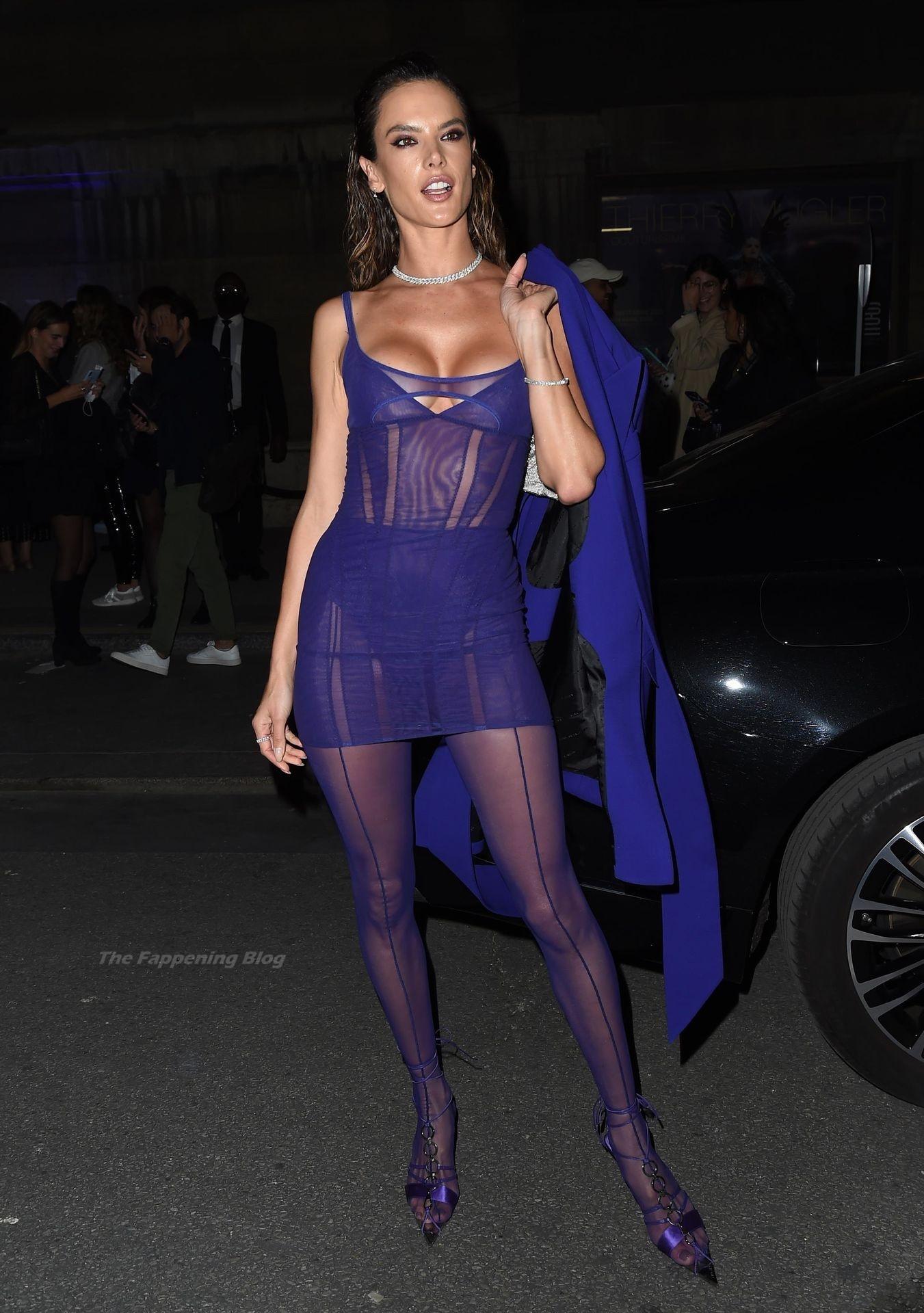 Alessandra-Ambrosio-Sexy-The-Fappening-Blog-22-2.jpg