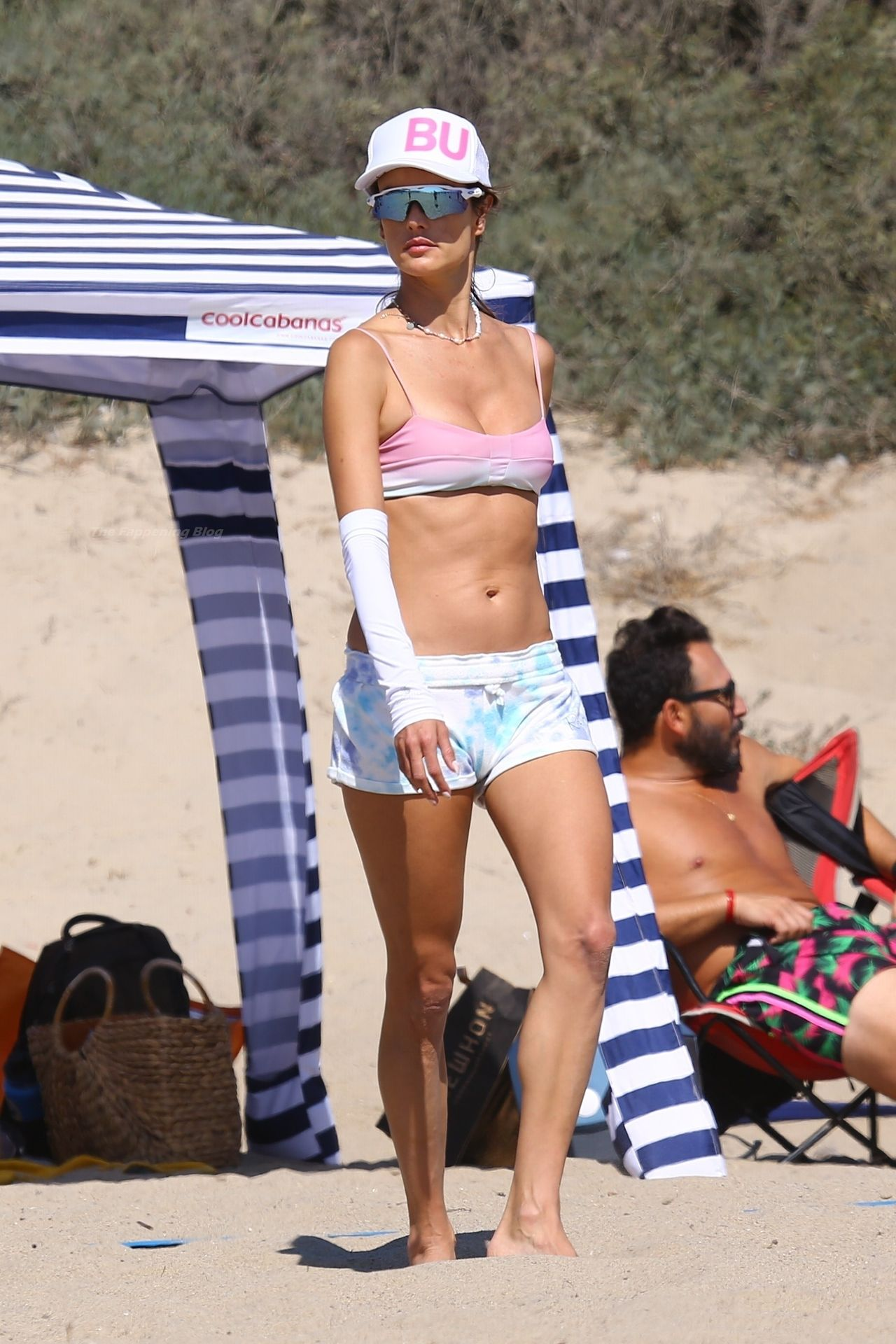 Alessandra-Ambrosio-Sexy-The-Fappening-Blog-25-1.jpg