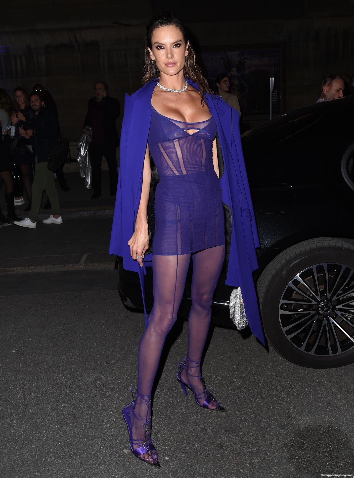 Alessandra-Ambrosio-Sexy-The-Fappening-Blog-26-3.jpg