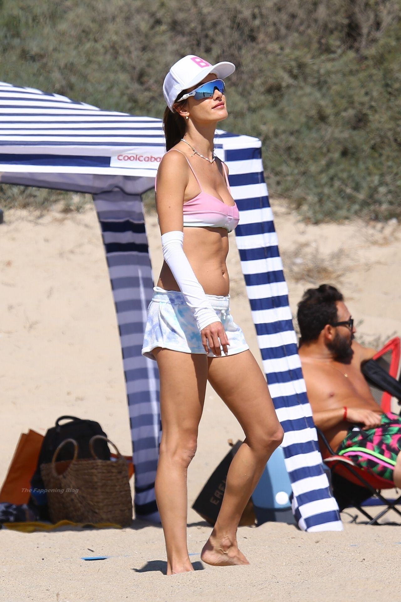Alessandra-Ambrosio-Sexy-The-Fappening-Blog-27-1.jpg