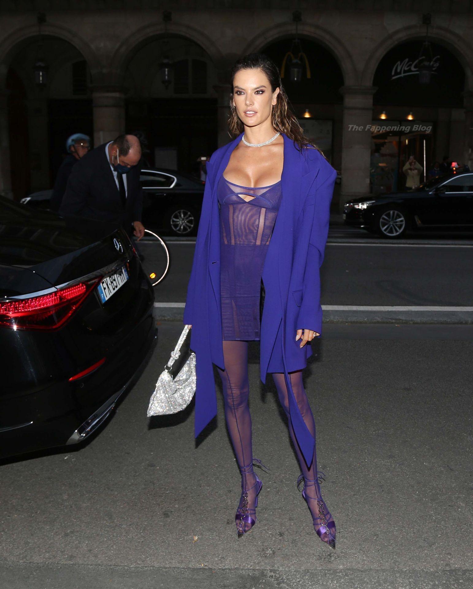 Alessandra-Ambrosio-Sexy-The-Fappening-Blog-35-2.jpg