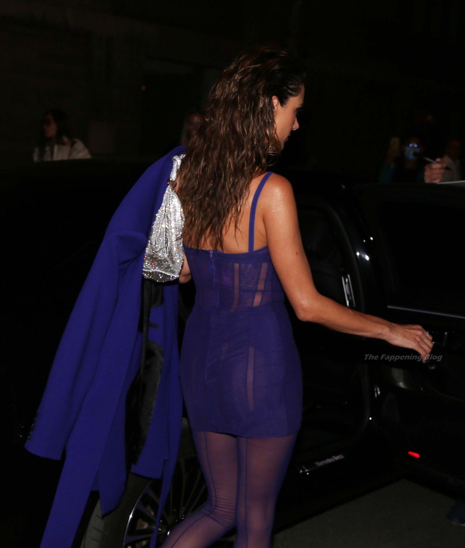 Alessandra-Ambrosio-Sexy-The-Fappening-Blog-37-2.jpg