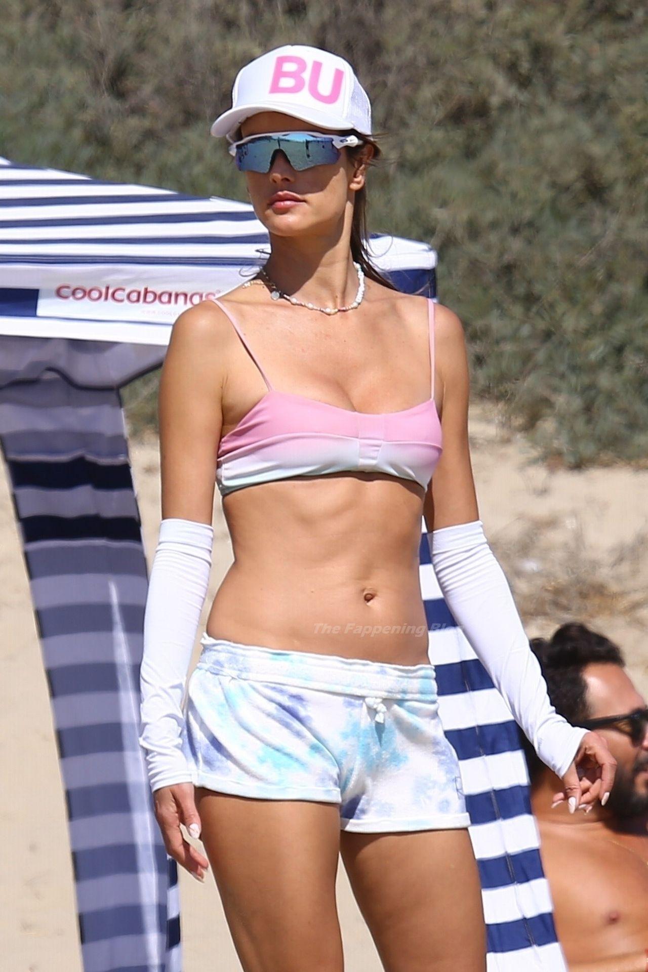 Alessandra-Ambrosio-Sexy-The-Fappening-Blog-4-2.jpg