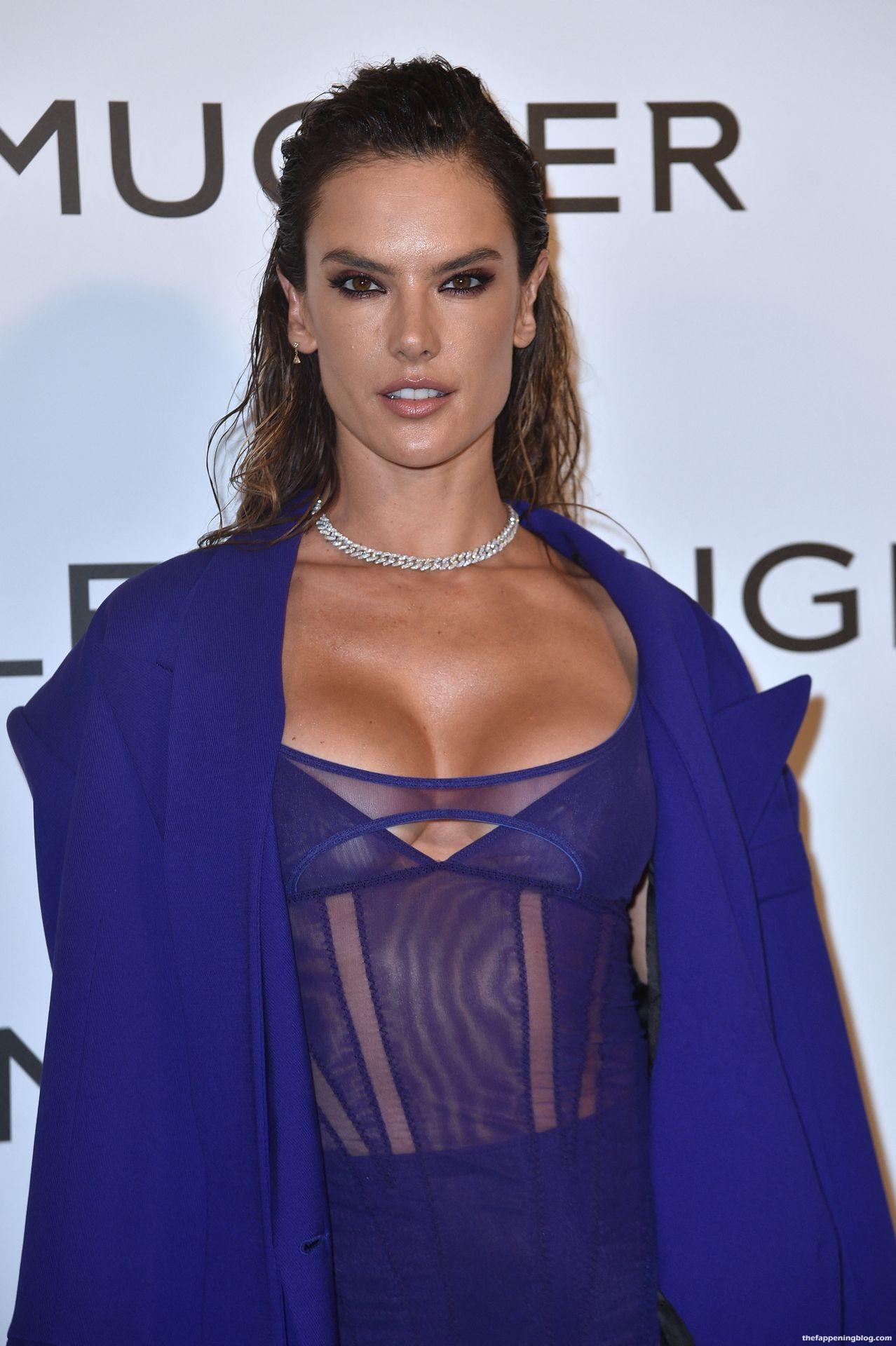 Alessandra-Ambrosio-Sexy-The-Fappening-Blog-4-4.jpg