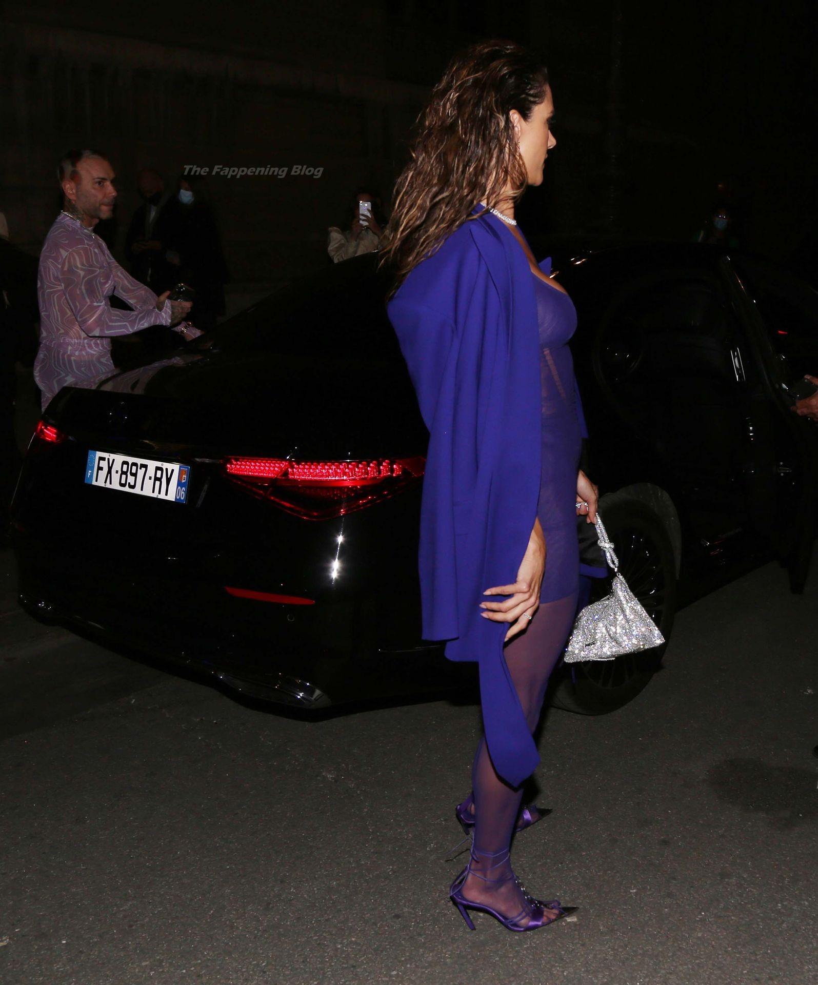Alessandra-Ambrosio-Sexy-The-Fappening-Blog-42-1.jpg