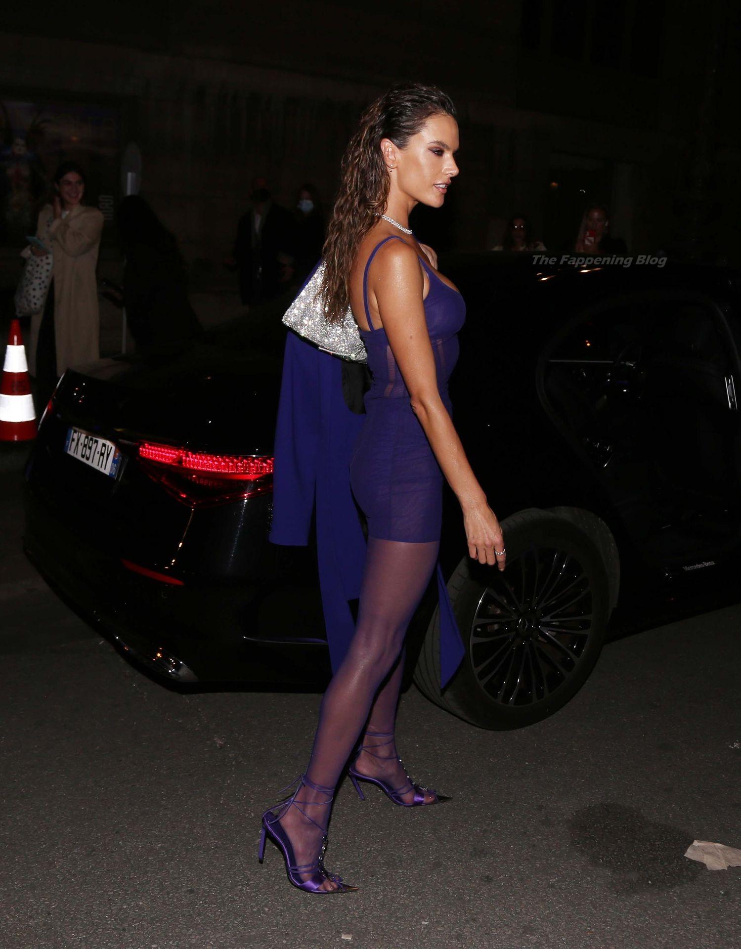 Alessandra-Ambrosio-Sexy-The-Fappening-Blog-43-1.jpg