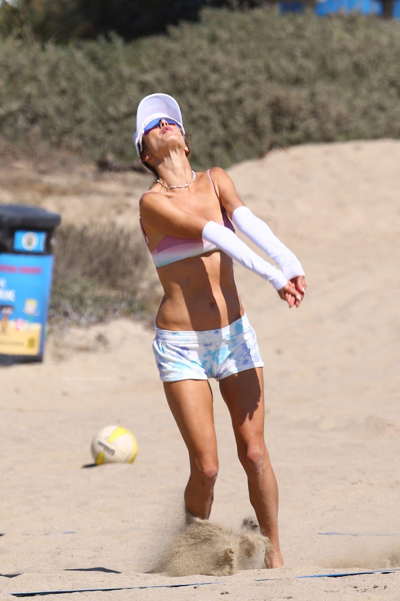 Alessandra-Ambrosio-Sexy-The-Fappening-Blog-6-2.jpg