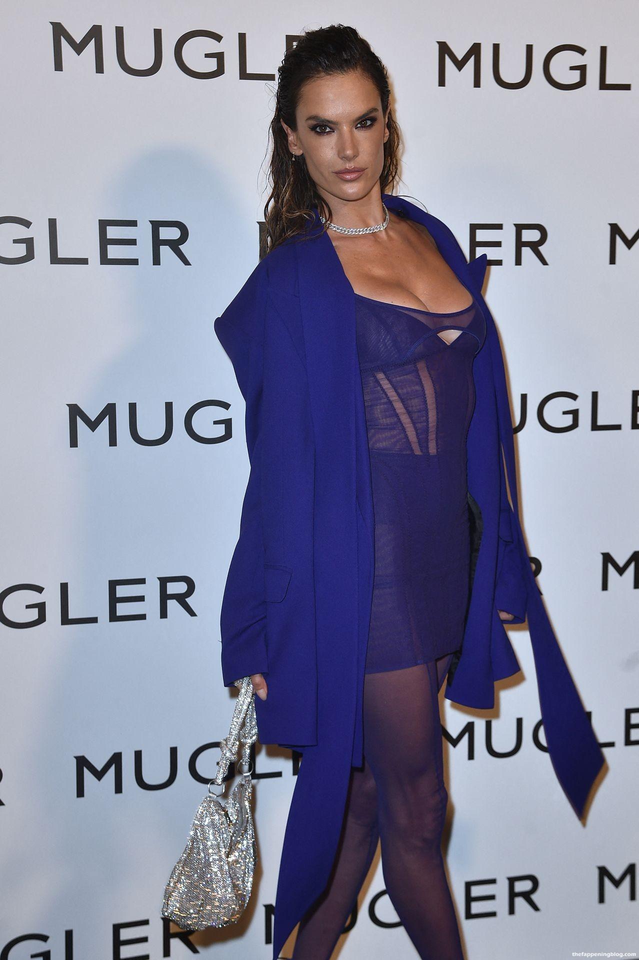 Alessandra-Ambrosio-Sexy-The-Fappening-Blog-6-4.jpg