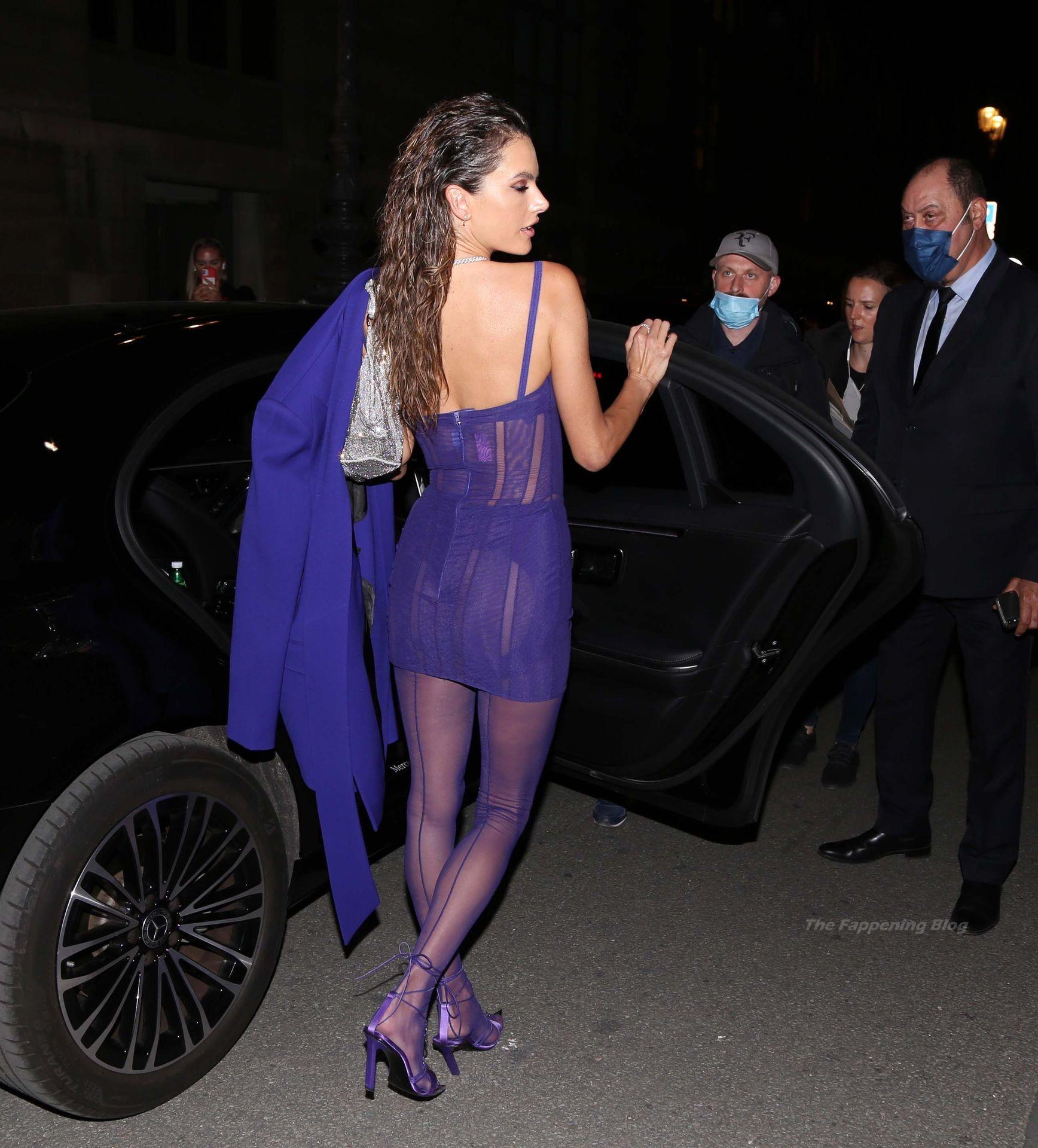 Alessandra-Ambrosio-Sexy-The-Fappening-Blog-61-1.jpg
