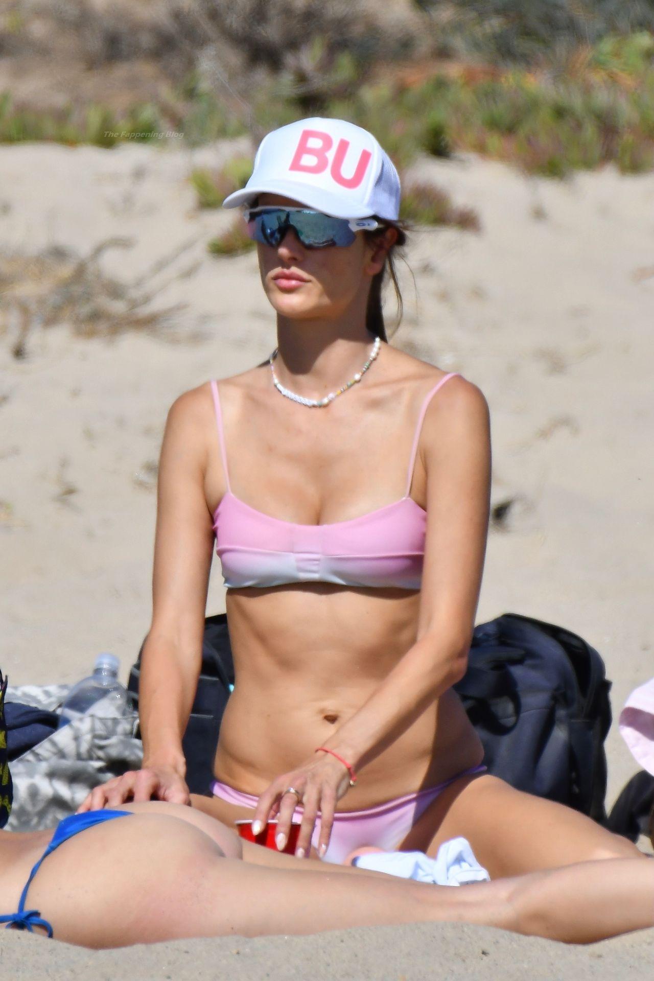 Alessandra-Ambrosio-Sexy-The-Fappening-Blog-66.jpg