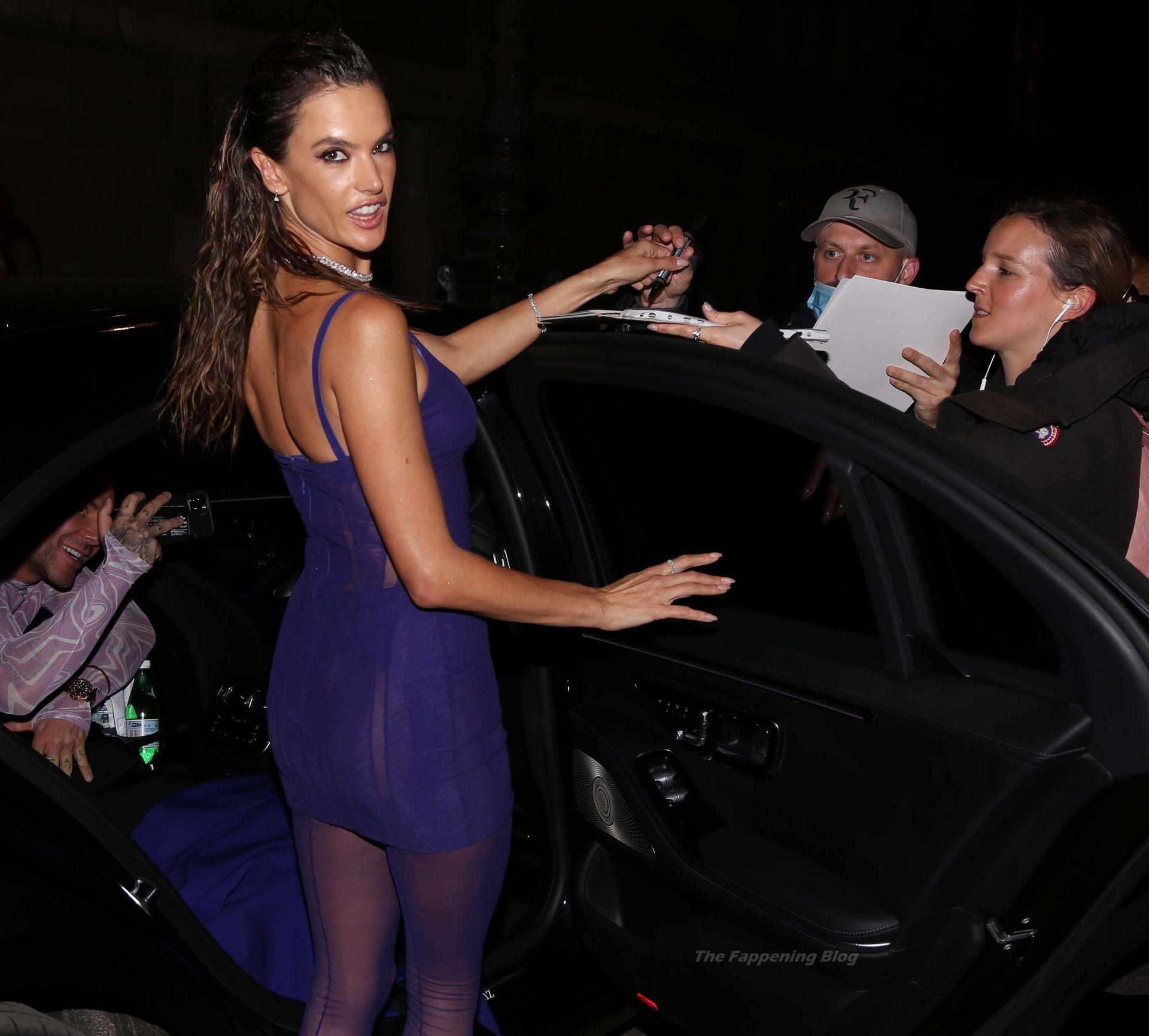 Alessandra-Ambrosio-Sexy-The-Fappening-Blog-68-1.jpg