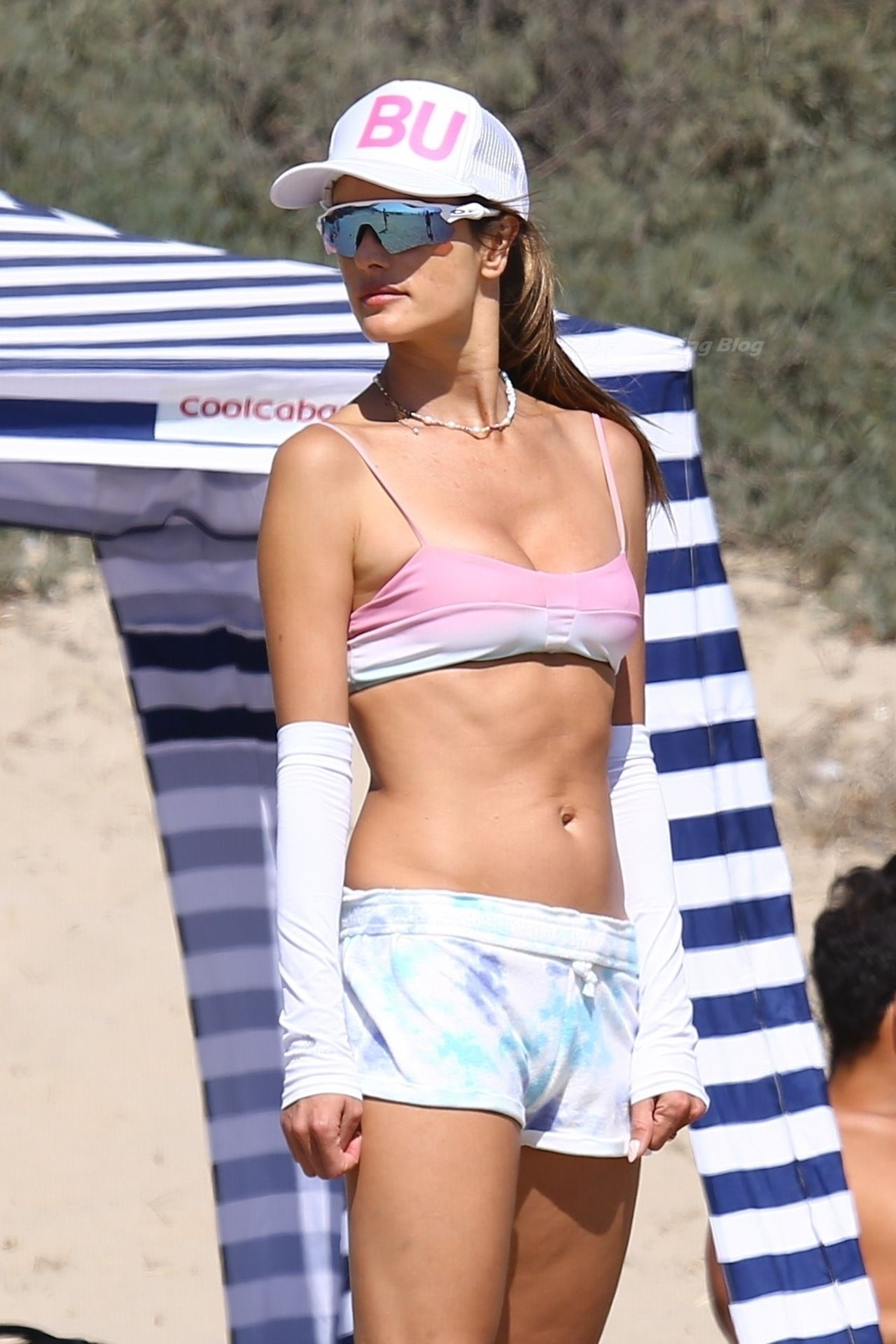 Alessandra-Ambrosio-Sexy-The-Fappening-Blog-7-2.jpg
