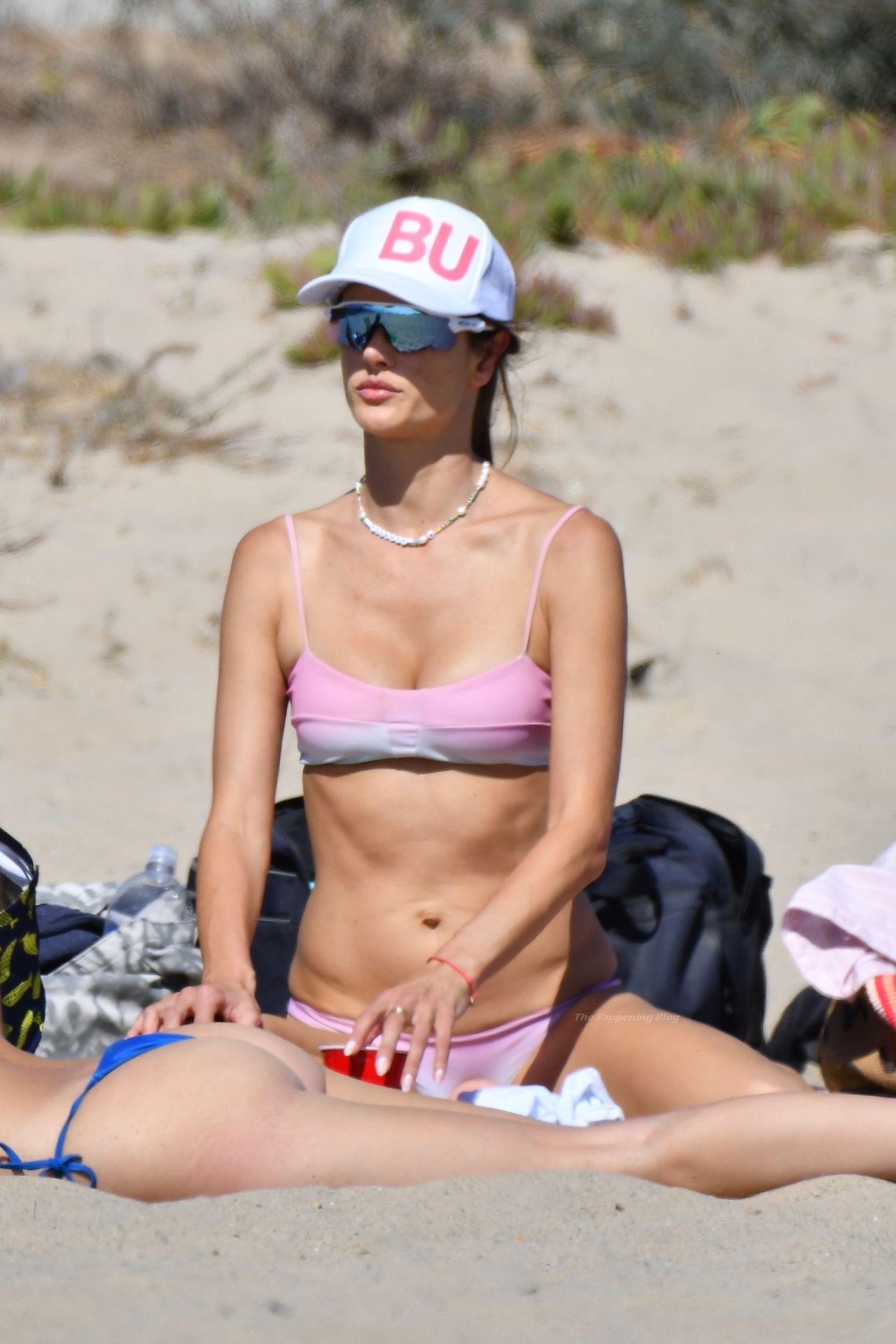 Alessandra-Ambrosio-Sexy-The-Fappening-Blog-73.jpg
