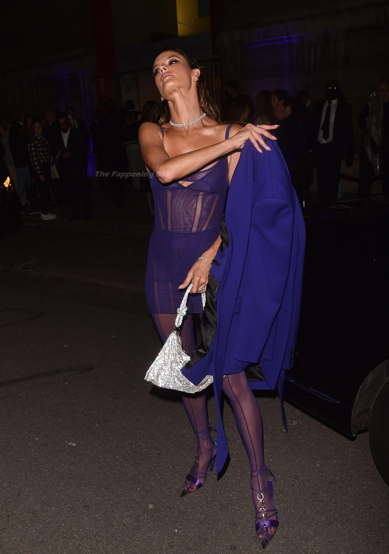 Alessandra-Ambrosio-Sexy-The-Fappening-Blog-77-1.jpg
