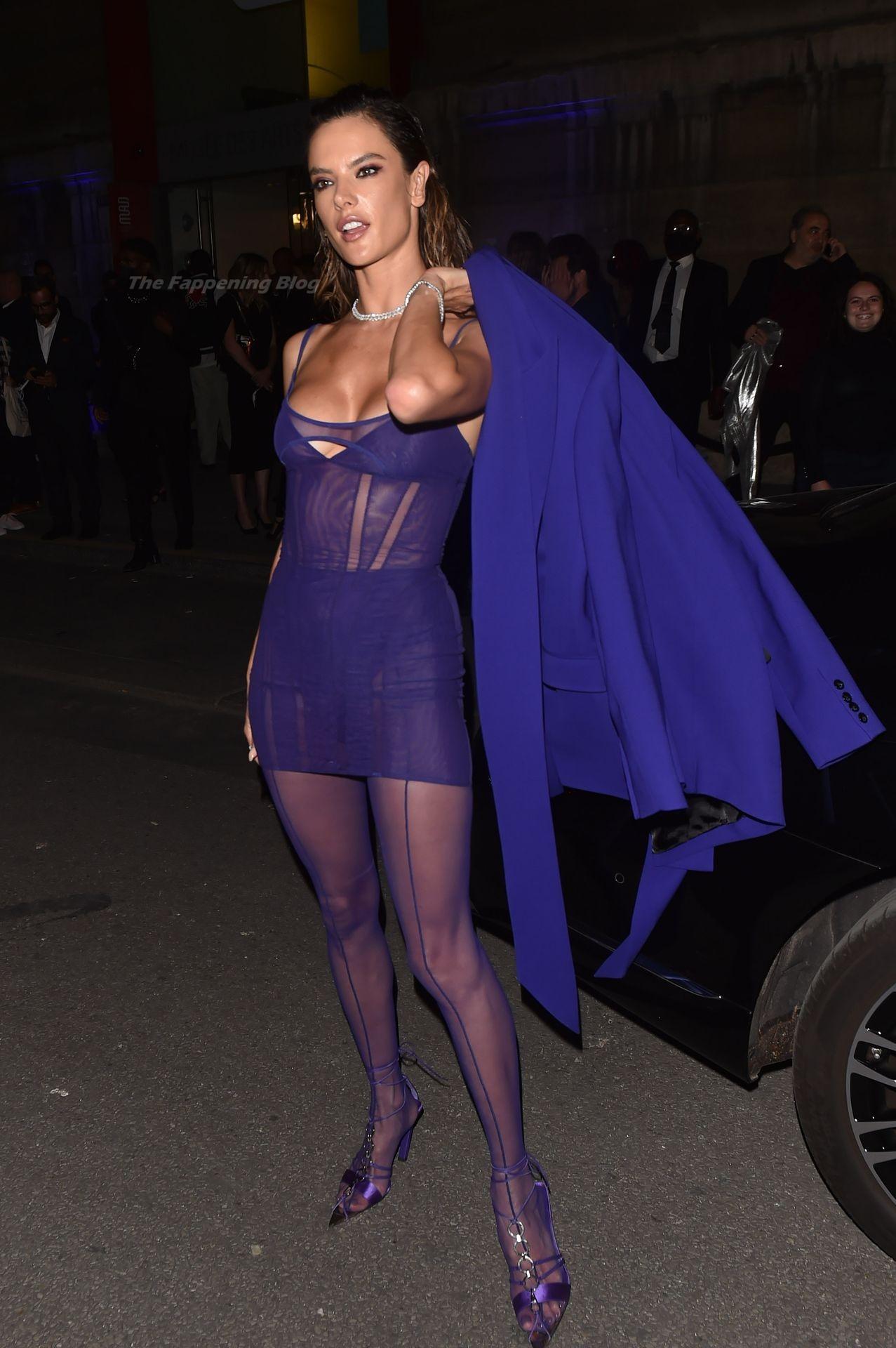 Alessandra-Ambrosio-Sexy-The-Fappening-Blog-78-1.jpg