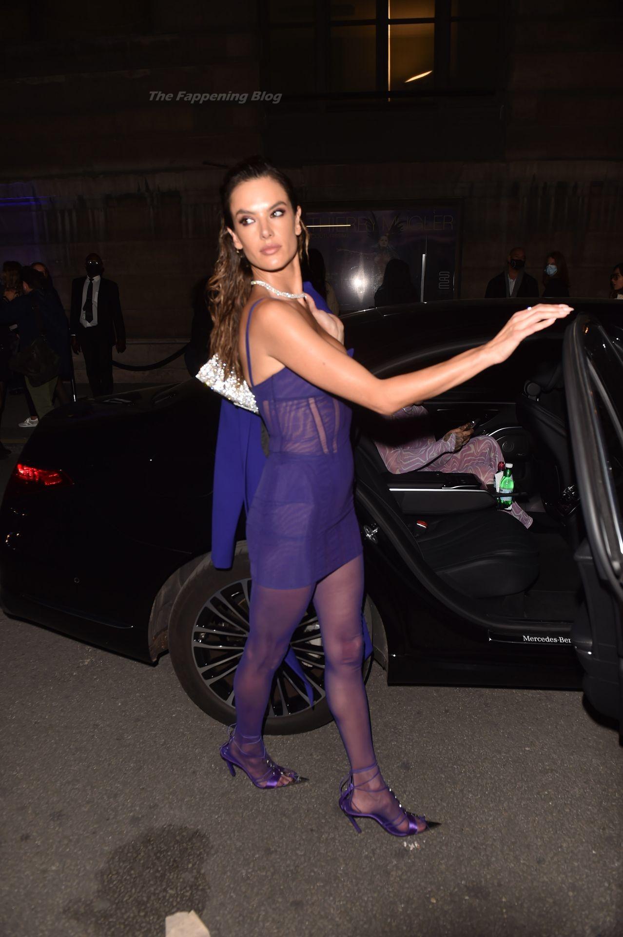 Alessandra-Ambrosio-Sexy-The-Fappening-Blog-86-1.jpg