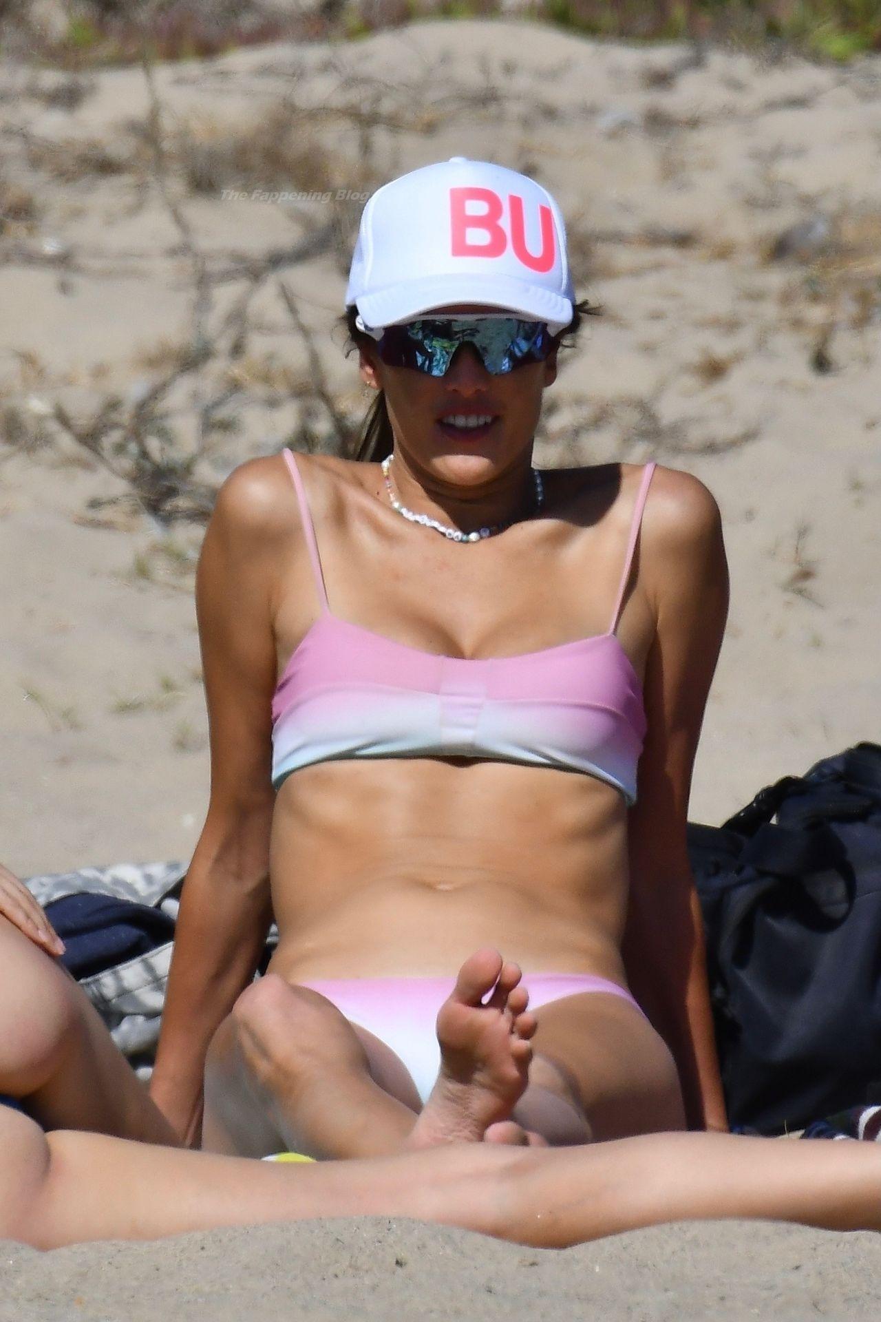 Alessandra-Ambrosio-Sexy-The-Fappening-Blog-88.jpg