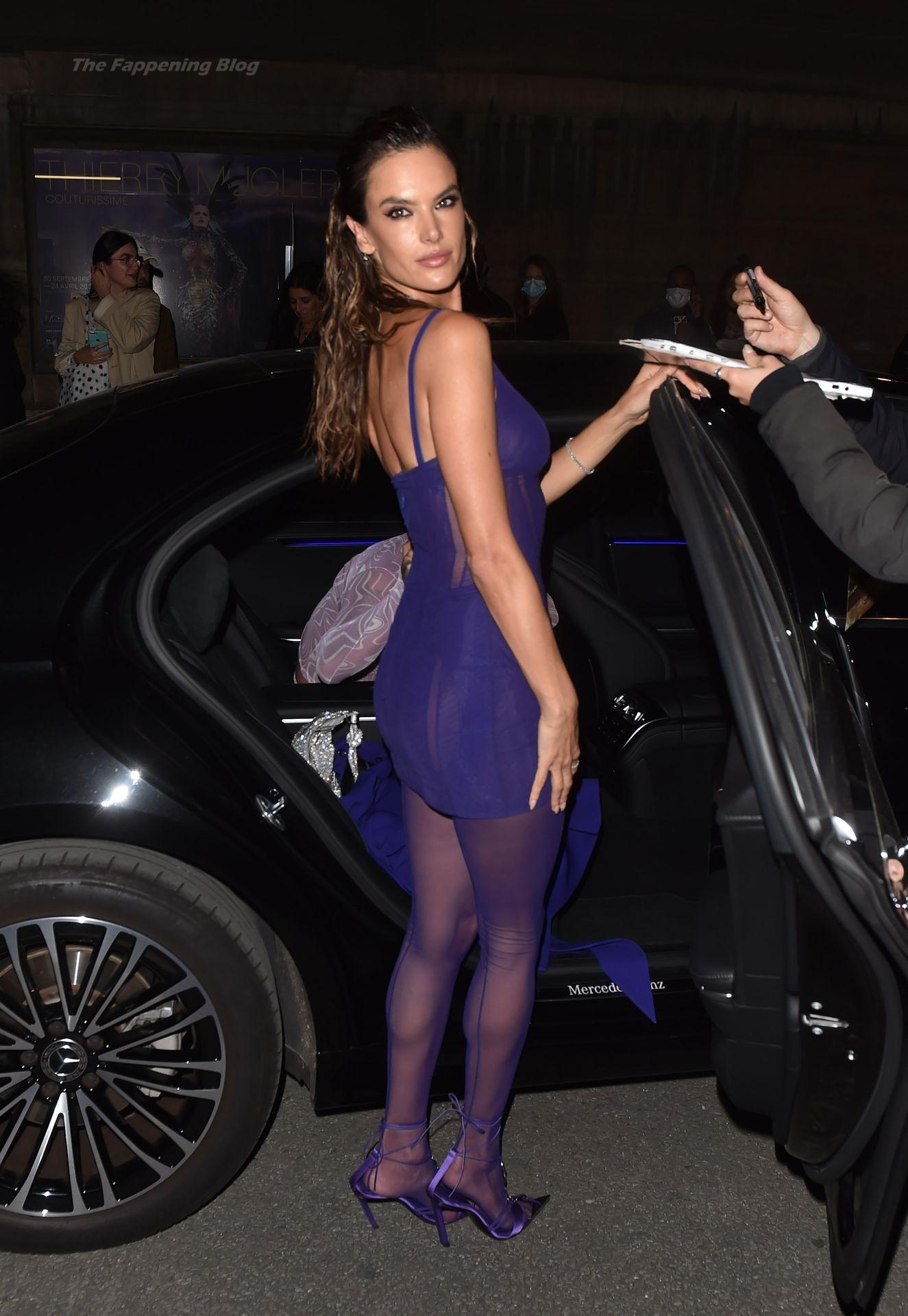 Alessandra-Ambrosio-Sexy-The-Fappening-Blog-89-1.jpg