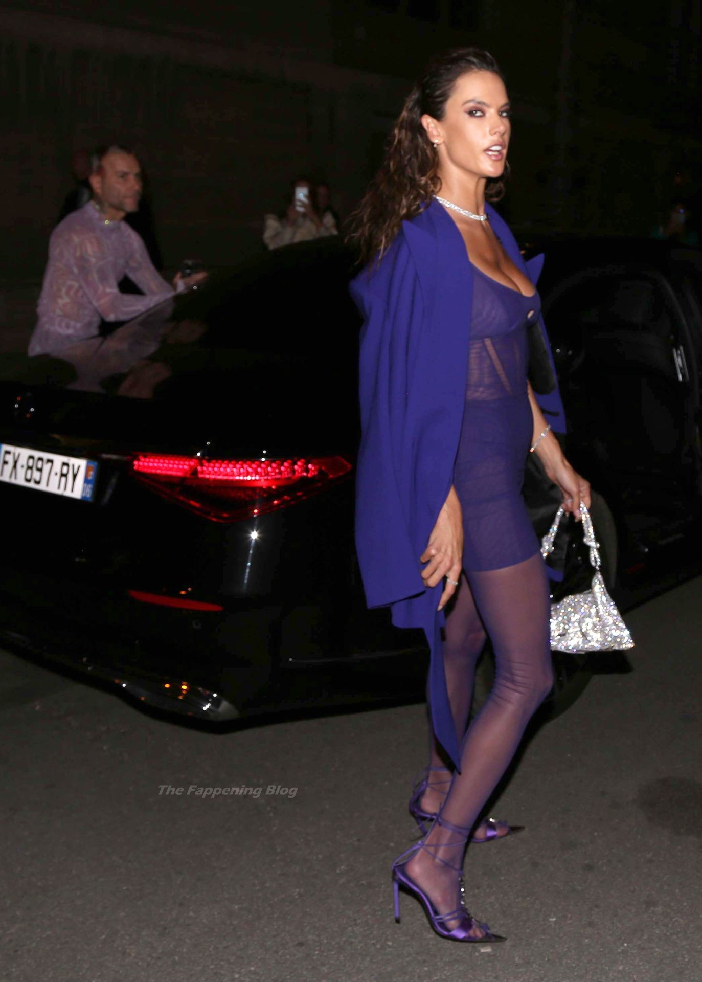 Alessandra-Ambrosio-Sexy-The-Fappening-Blog-93-1.jpg