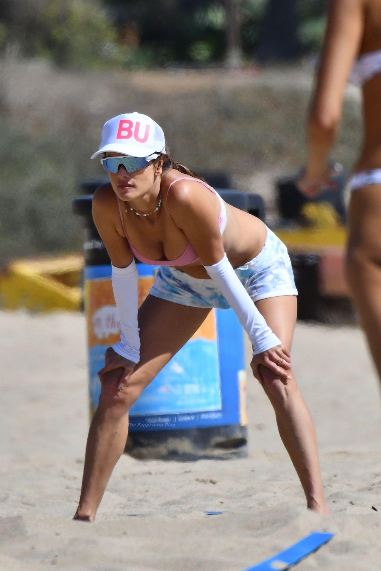 Alessandra-Ambrosio-Sexy-The-Fappening-Blog-95.jpg