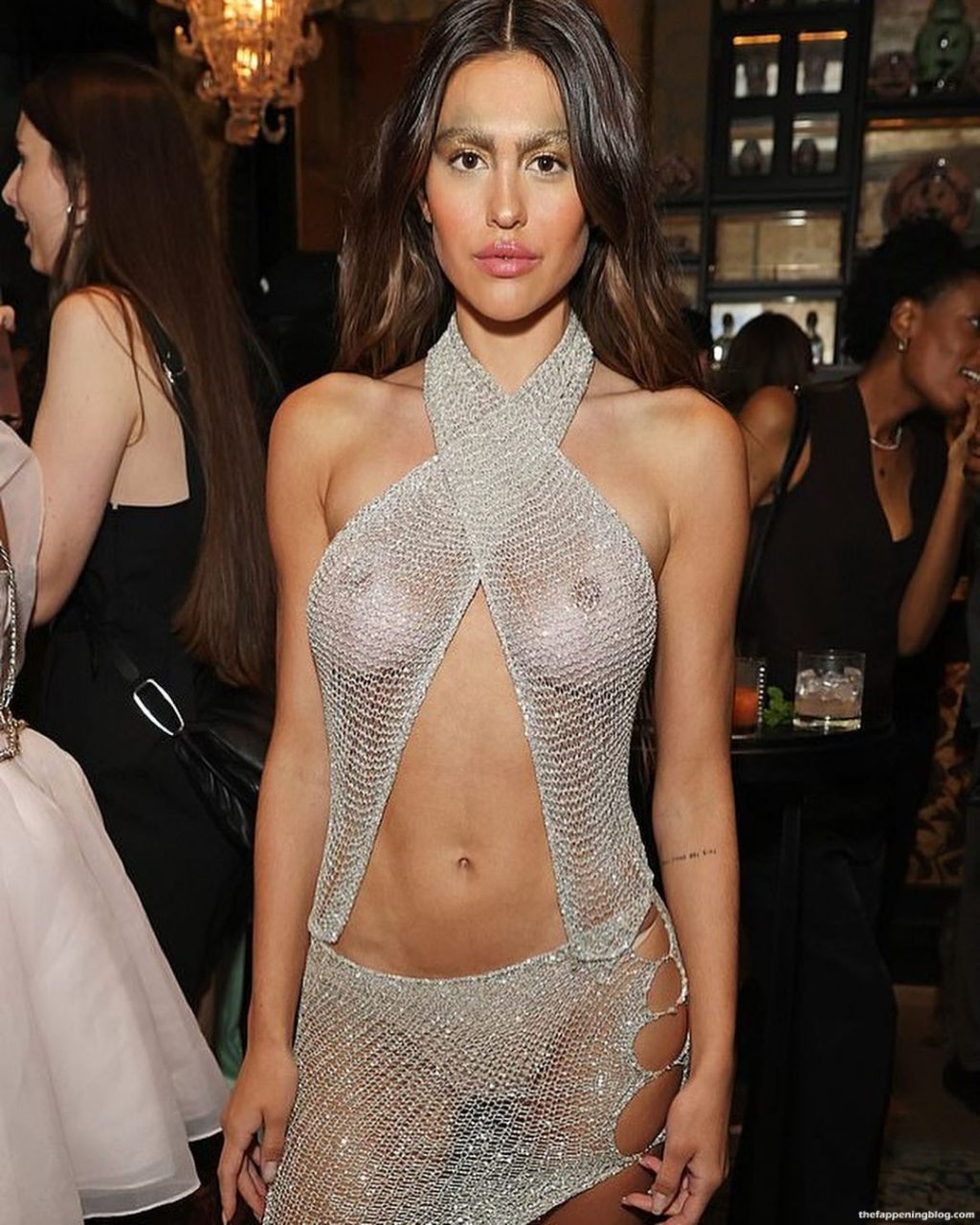 Amelia Gray Hamlin Flaunts Her Nude Tits at the Perfect Magazine Party During London Fashion Week (5 Photos)