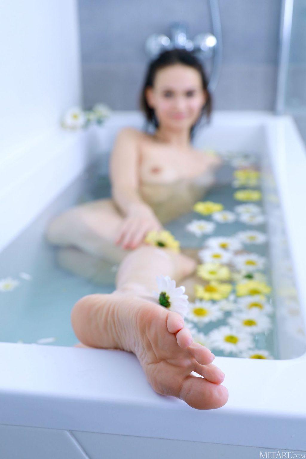 Anastasia Bella Nude – Floral Spa (120 Photos)