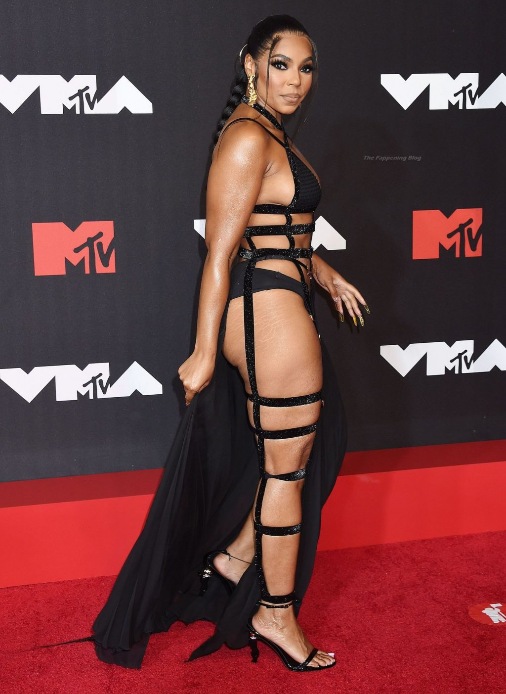 Leggy Ashanti Looks Hot at the 2021 MTV VMAs (12 Photos)