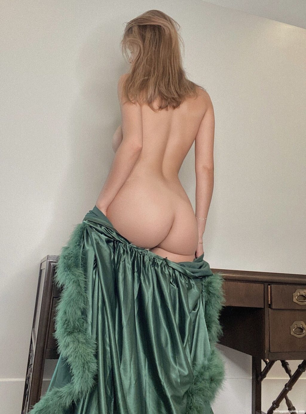 Ashley Tervort Nude (4 Hot Photos)