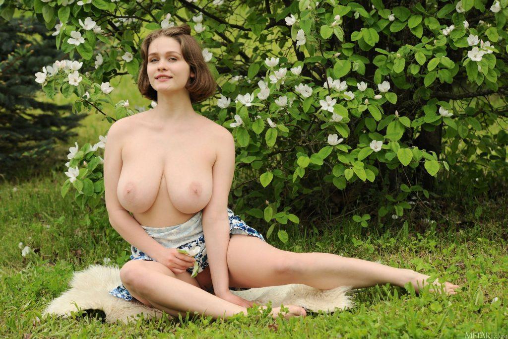 Aurelia Lu Nude & Sexy – Voluptuous (120 Photos)