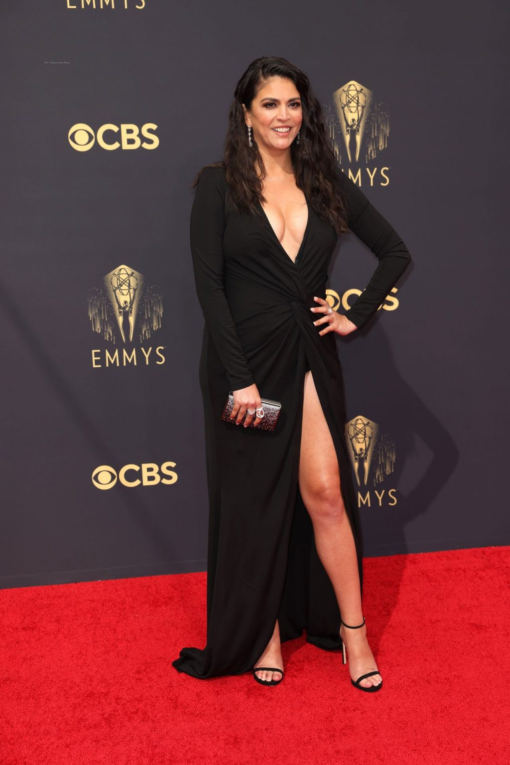 Cecily Strong Flaunts Her Boobs at the 73rd Primetime Emmy Awards in Los Angeles (12 Photos)