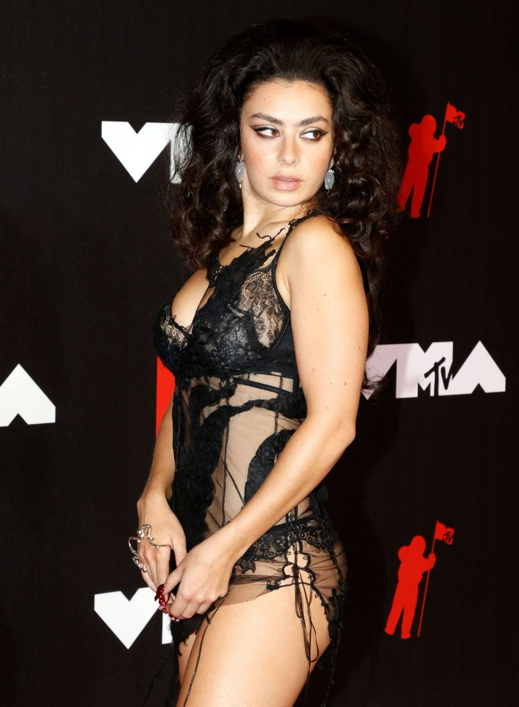 Charli XCX Flaunts Her Sexy Legs and Butt at the 2021 MTV Video Music Awards (12 Photos)